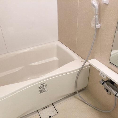 短工期・低予算でリフォームしたバスルーム